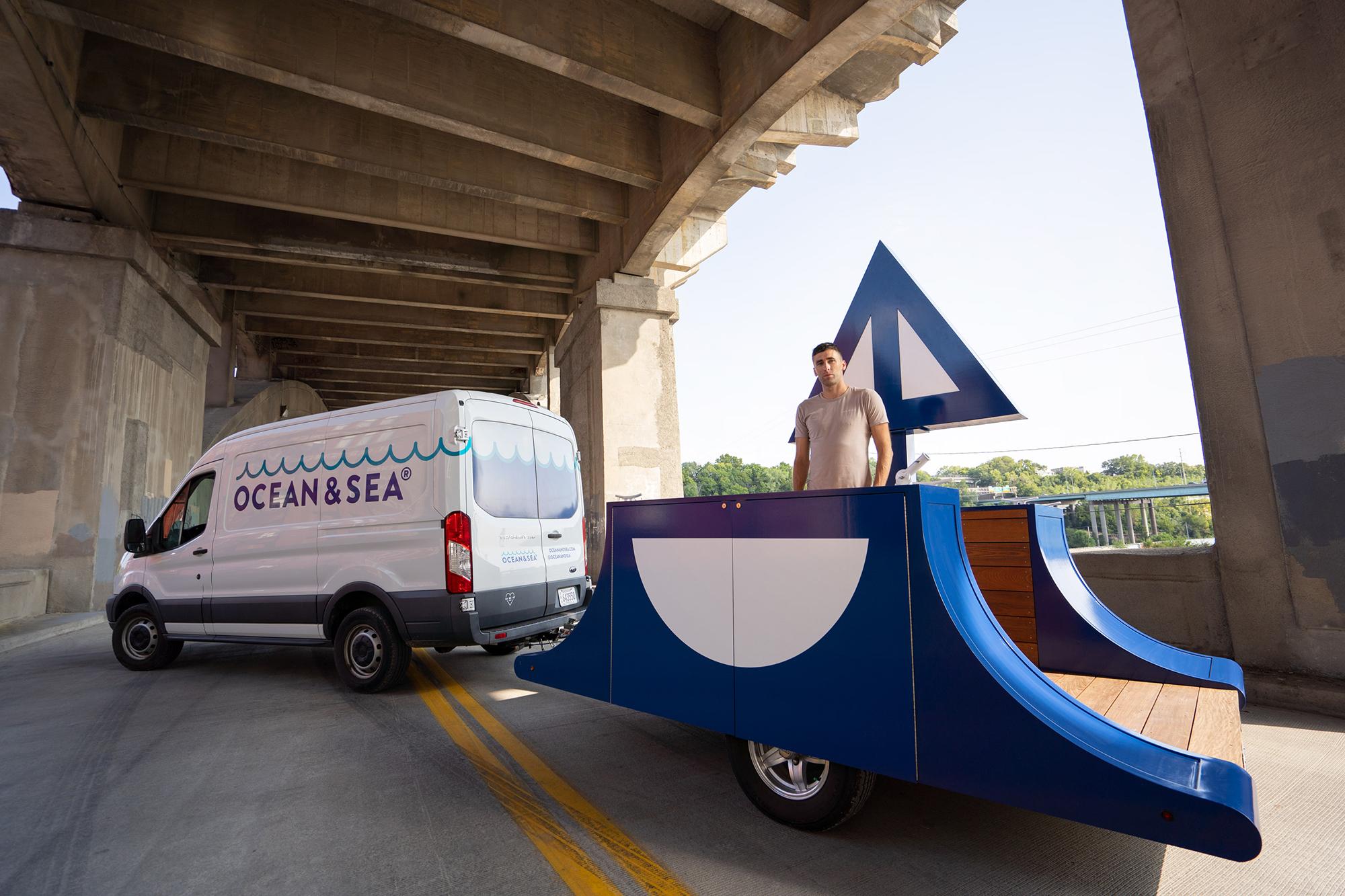 Ocean-and-Sea_Transit_Sailboat_2020